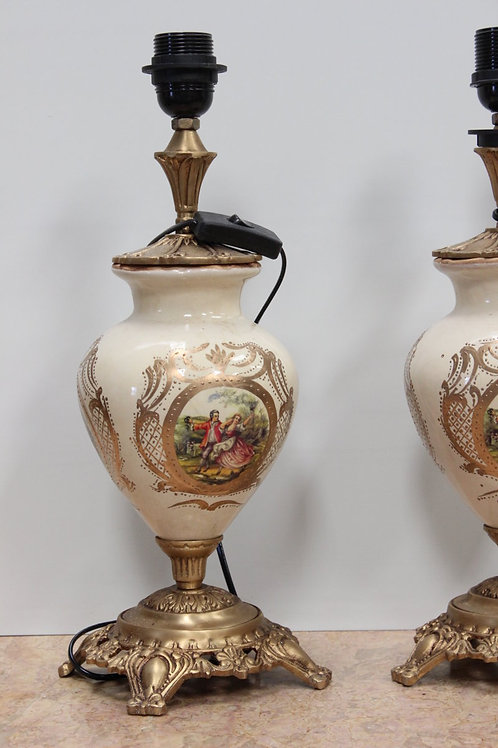 PAIR OF ANTIQUE FRENCH STYLE PORCELAIN LAMPS WITH BRASS BASE - C85