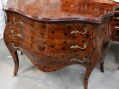 ANTIQUE FRENCH STYLE BOMBE CHEST OF DRAWERS IN WALNUT - C208