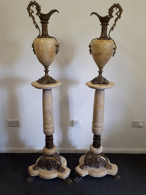 ITALIAN MARBLE COLUMNS IN BEIGE WITH URNS - 502