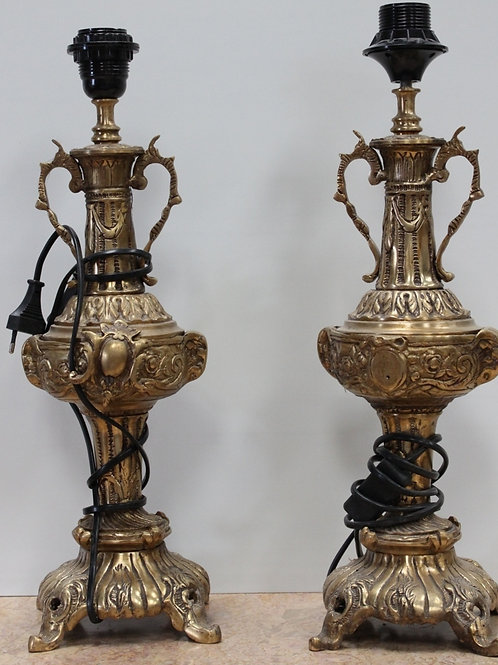 PAIR OF ANTIQUE FRENCH STYLE BRASS LAMPS - DECORATIVE DESIGN - C92