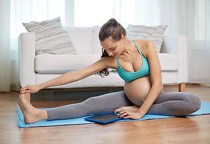 pregnant-exercise-online.jpg