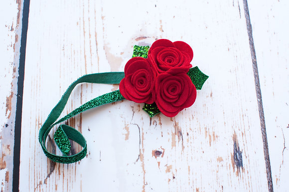 Holly Rose Christmas Cluster