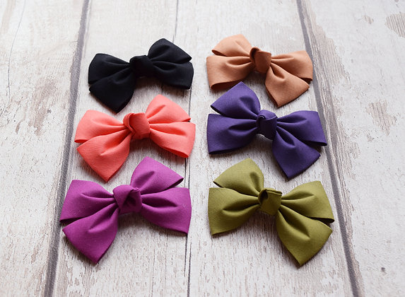 Classic Cotton Pinch Bow