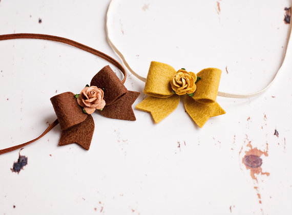 Small Dainty Flower bow