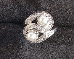 twisted pearl ring