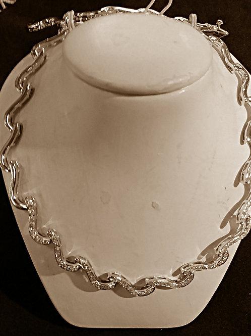 18 kt Wave Diamond Necklace