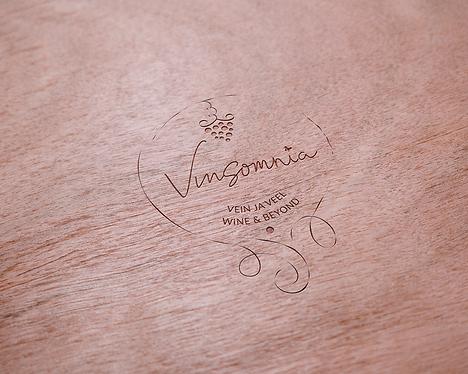 Logo-Vinsomnia-puidul.png