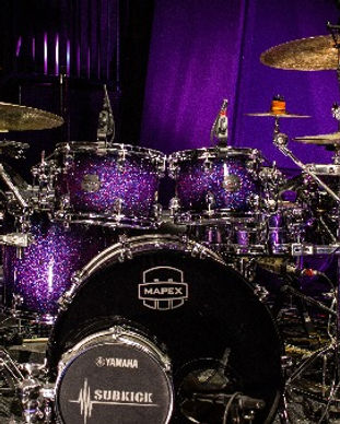 Mapex%20Drumset%20with%20Paiste%20Cymbal