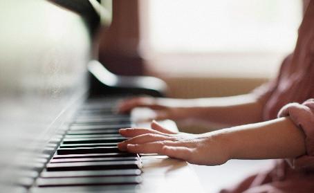 武蔵小杉から通えるピアノ教室♪Vox-y音楽教室のピアノレッスンがオススメ☆JR南武線沿線で楽器の習い事はいかがですか?