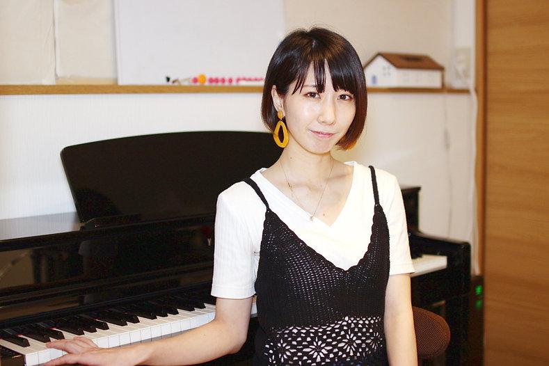 夏音先生ピアノプロフィール.jpg