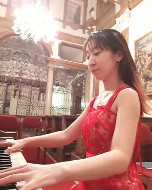 溝の口ピアノ教室 天野先生2.jpg