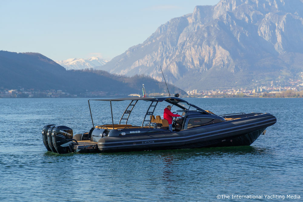 mar.co e-motion 36 black swan edition bimini carbon poles