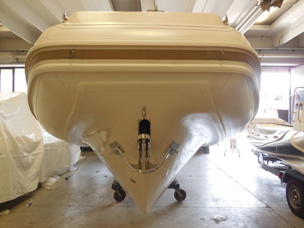 MAR.CO twentysix 8.43 meters rigid inflatable boat anchor