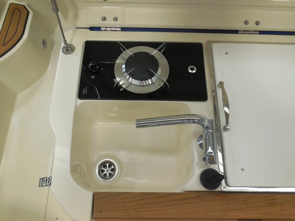 MAR.CO e-motion 32 gommone cabinato 9 98 metri fornello lavandino