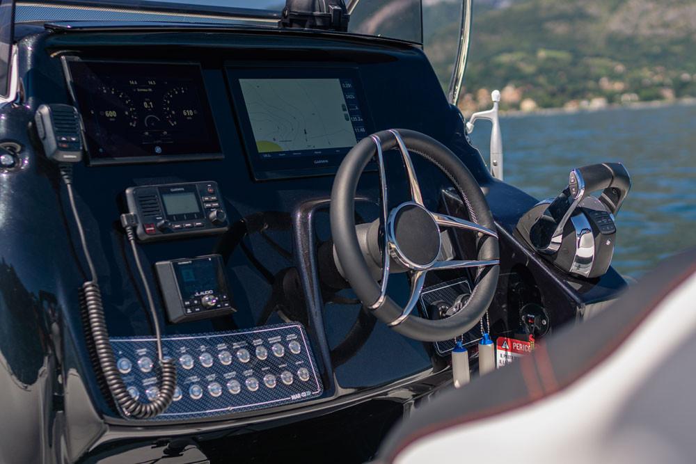 Console gommone con mercury vessel view 904 stereo jl mm50 gpsmap garmin 8412xvs volante gussi corvina