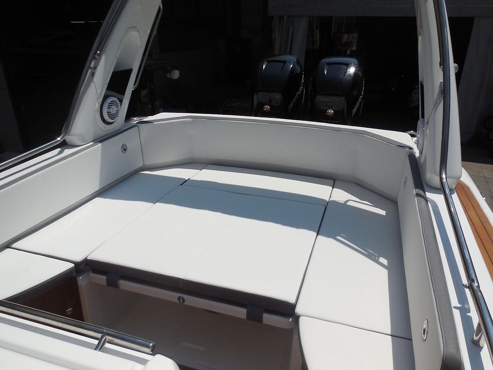 MAR.CO e-motion 32 gommone cabinato 9,98 metri prendisole poppa