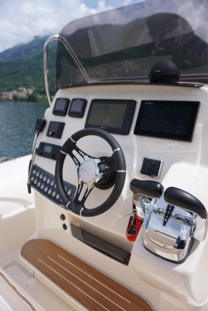 Garmin echomap 92SSV VHF garmin 115i