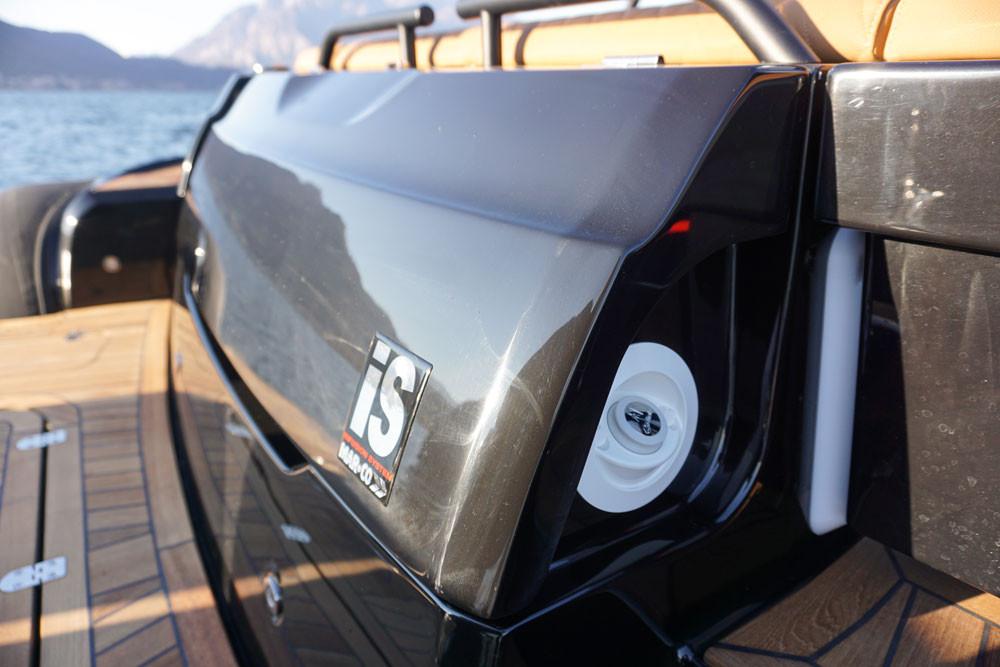 mar.co e-motion 36 black swan edition specchio di poppa