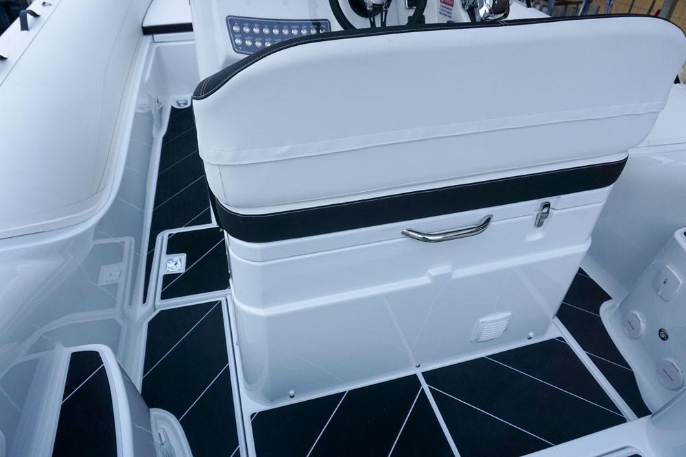 driver's bench with fridge on mar.co twentysix