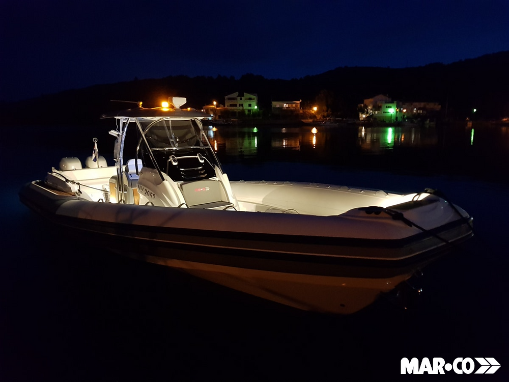 boat night lights
