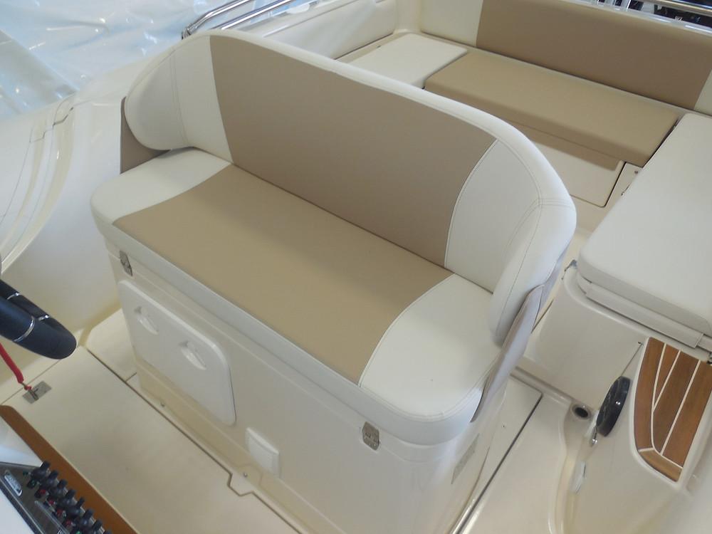 MAR.CO twentysix 8.43 meters rigid inflatable boat bolster