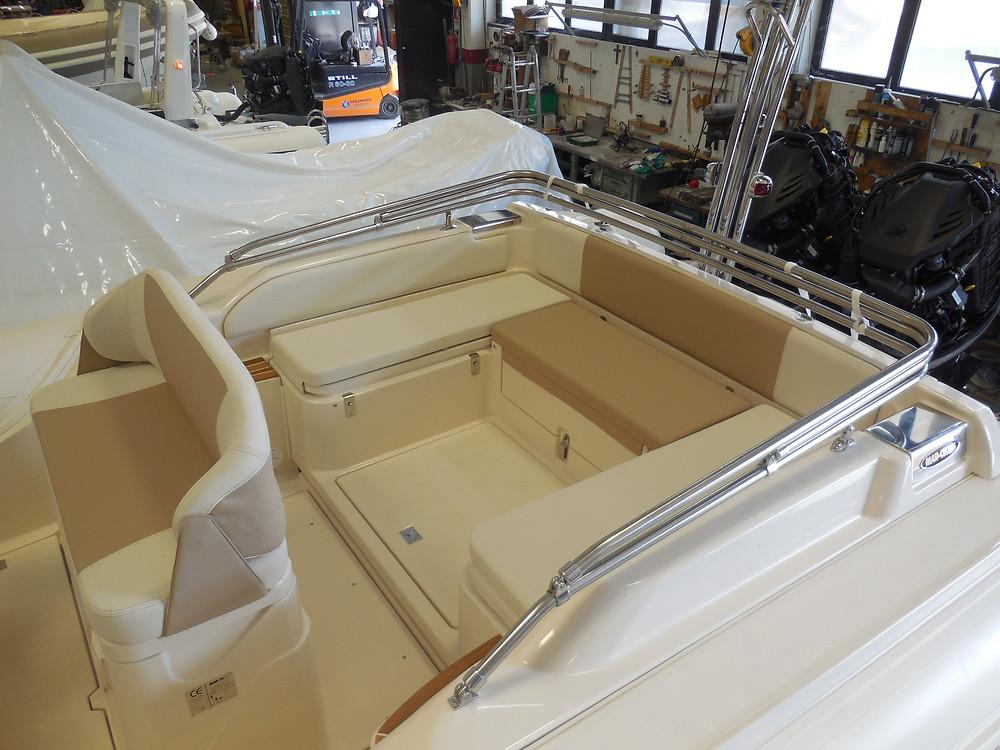 MAR.CO twentysix 8.43 meters rigid inflatable boat dinette area stern