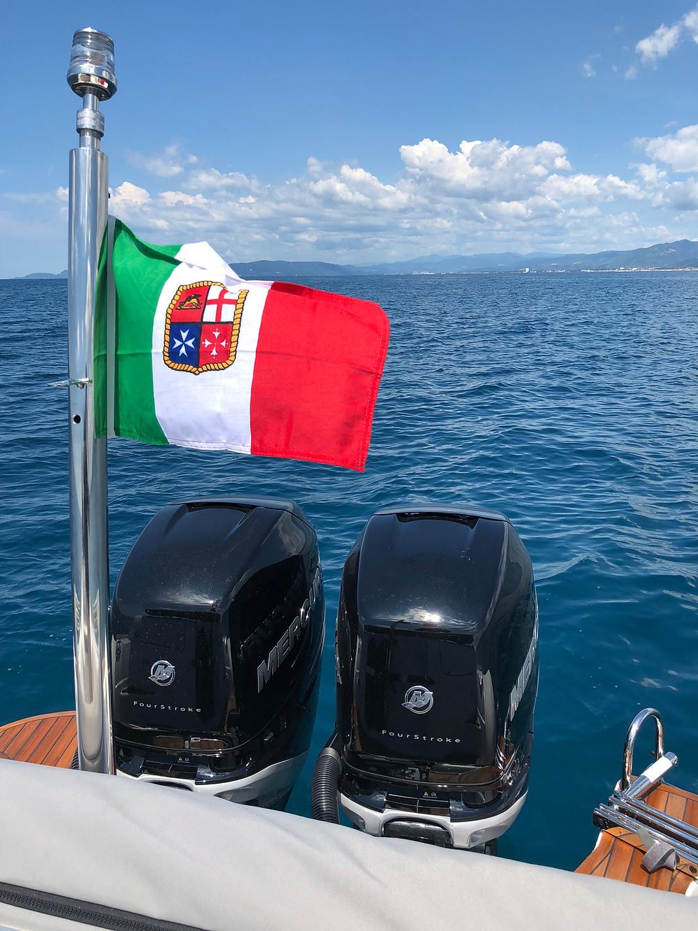 gommone made in italy navigazione luci bandiera
