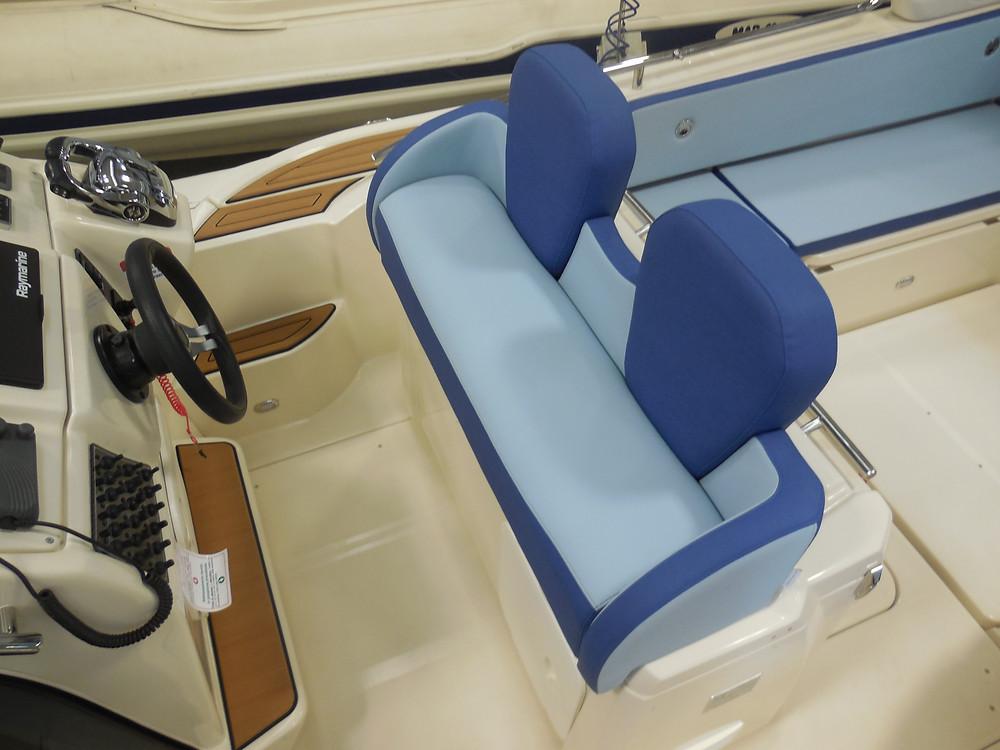 MAR.CO e-motion 32 gommone cabinato 9 98 metri panca guida