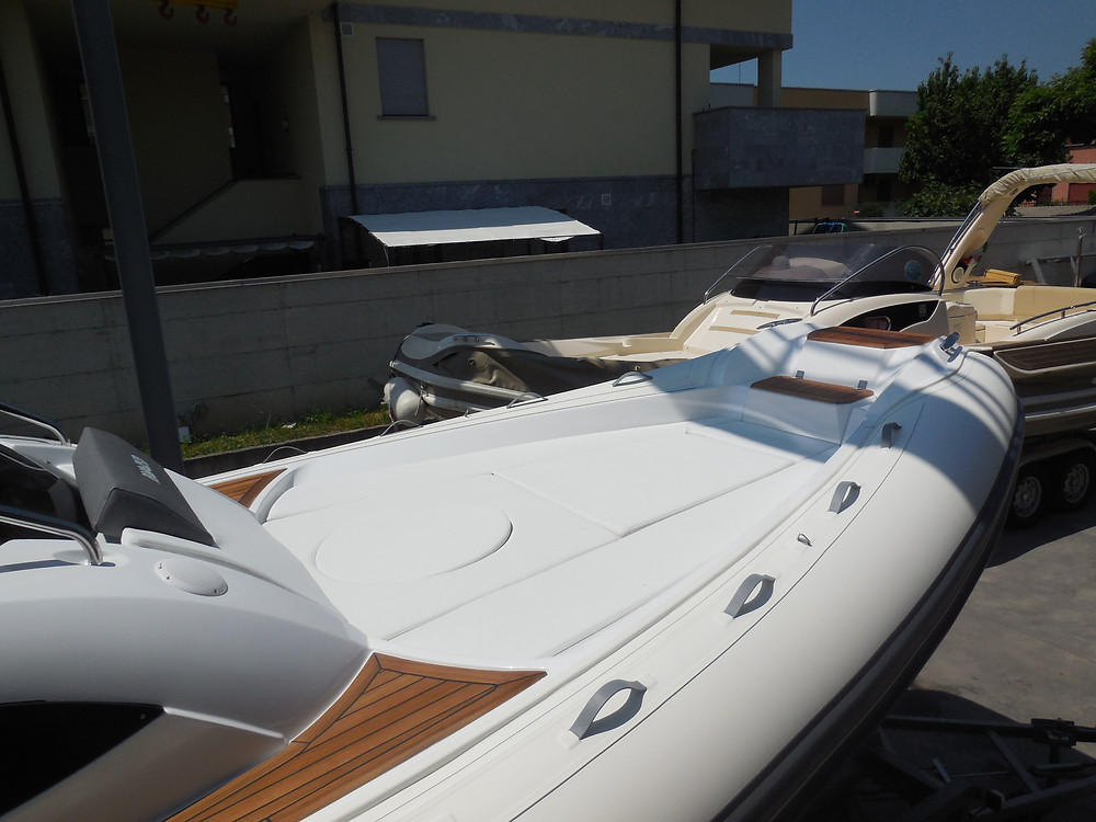 MAR.CO e-motion 32 cabin rib 9.98 meters sundeck