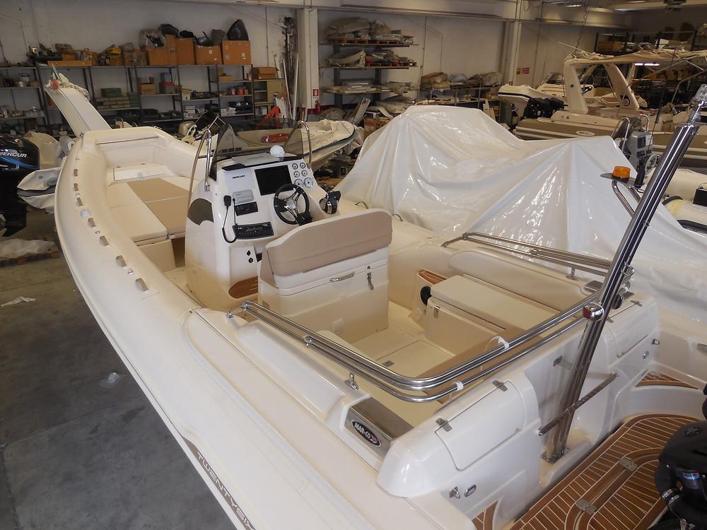 MAR.CO twentysix 8.43 meters rigid inflatable boat upholstery