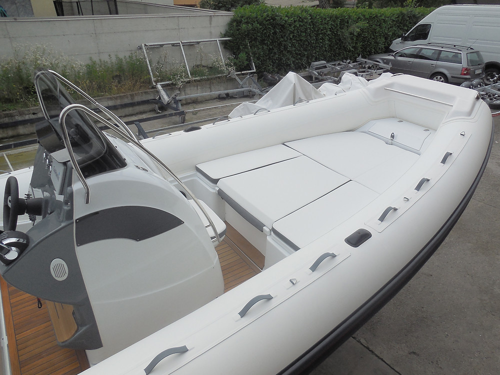 Rigid inflatable boat MAR.CO 8 sun deck
