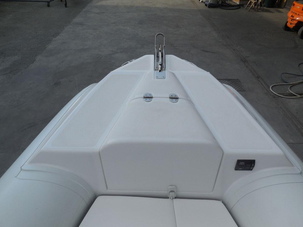 rib electric windlass