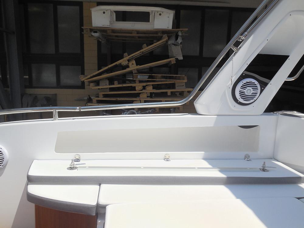 MAR.CO e-motion 32 gommone cabinato 9,98 metri gavoni portaoggetti