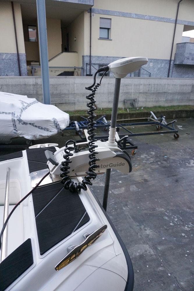 Motorguide bow trolling motor