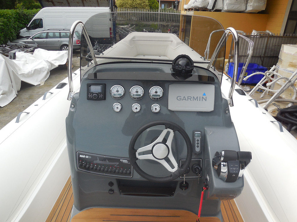Rigid inflatable boat MAR.CO 8 meters console
