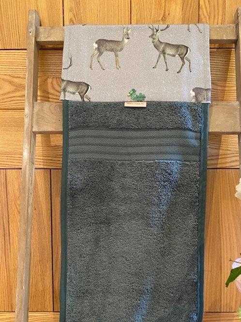 Roller Towel, Winter Deer E112