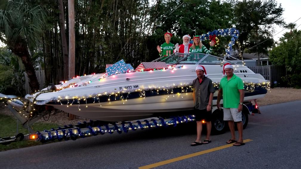 Siesta village Christmas parade