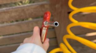흙먼지털이 시설의 공기분사기 어린이에 대한 안전관리 강화 필요