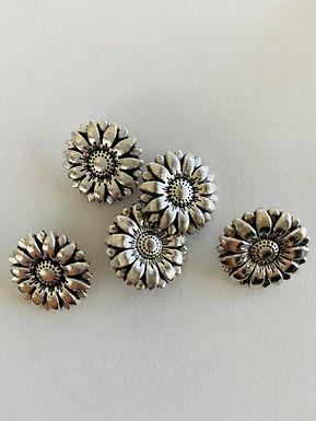 Metallknapp, blomst