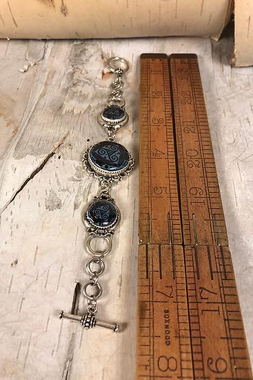 Silver Steel Blue Tri Fitheach Link Bracelet