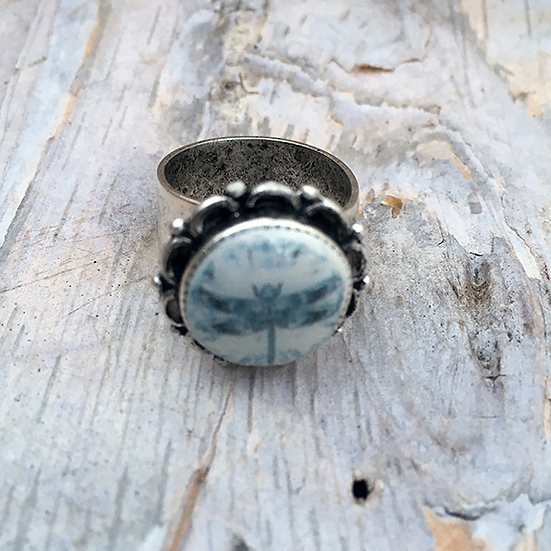 Grey Dragonfly Ring