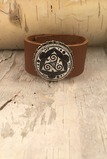 Antique Silver Black Tri Fitheach Cuff Tan