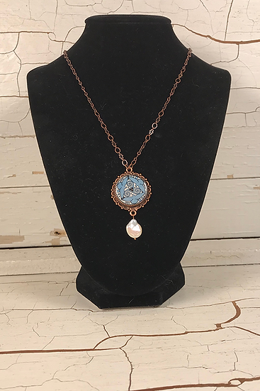 Copper Azure Tri Fitheach Necklace