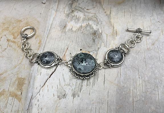 Antique Silver Circle Of Life Link Bracelet