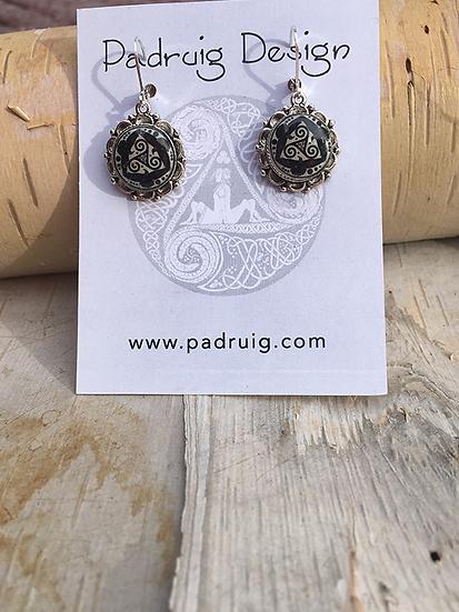 Antique Silver Tri Fitheach Earrings