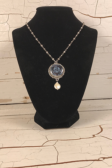 Silver Steel Blue Tri Fitheach Necklace