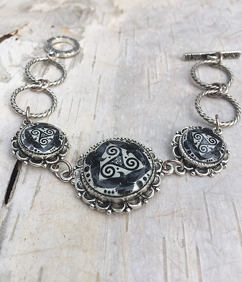 Antique Silver Tri Fitheach Link Bracelet Lg