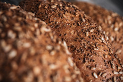 picture-of-bread-at-bakery-P3F3TFX