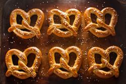 homemade-soft-pretzels-with-salt-PEDQMV2