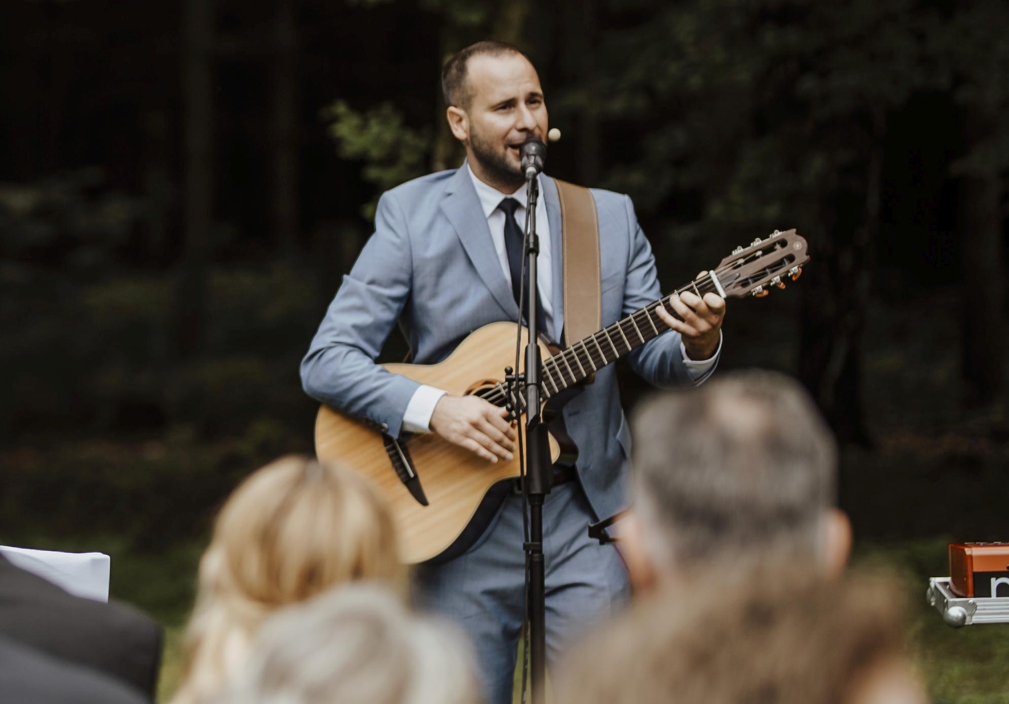 Trauredner und Musiker Steffen Schlösser.